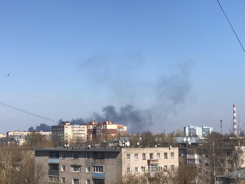 Пожар на Сортировке сейчас тушат сотрудники МЧС