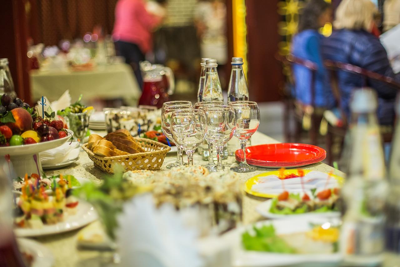 В Кинешме пенсионер вырвал сумку с едой у пенсионерки и сбежал