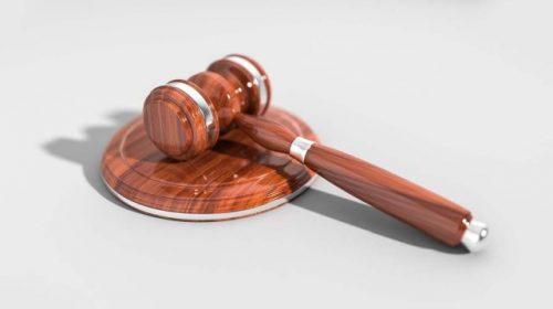 Автоледи в Комсомольске осуждена за распечатанные на принтере права