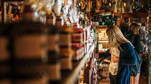 Роспотребнадзор советует потребителям быть бдительными при выборе алкоголя