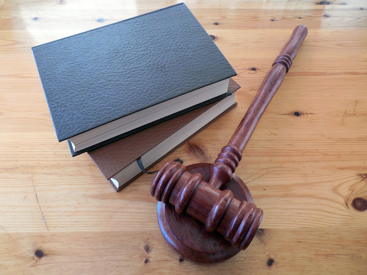 Как не заплатить юристу: ООО «Виста» сдала назад в суде