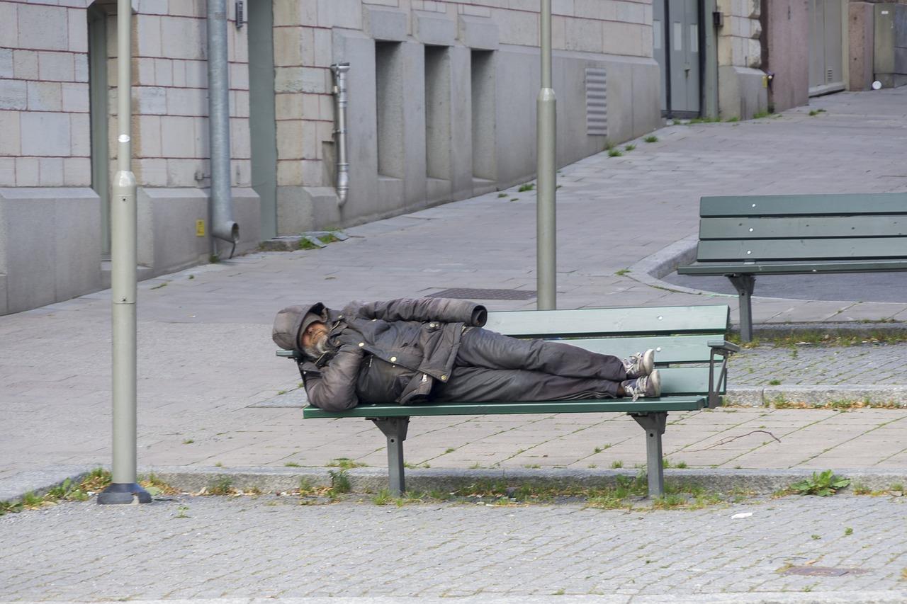 Бомж с ивановского автовокзала осужден на 10 суток за алименты