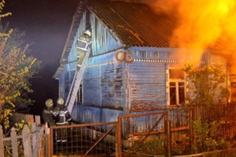 За сутки в Ивановском районе сгорели три садовых дома