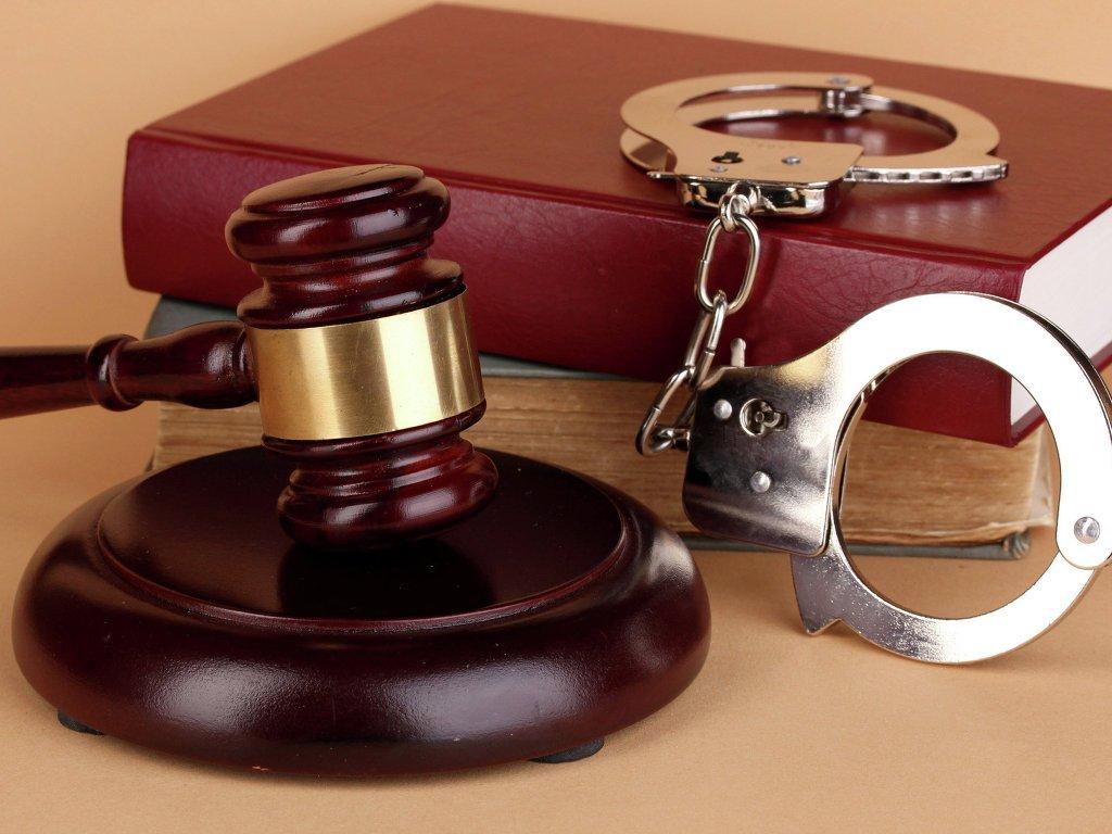 Племянник забил до смерти дядю за изнасилование жены: 10 лет колонии