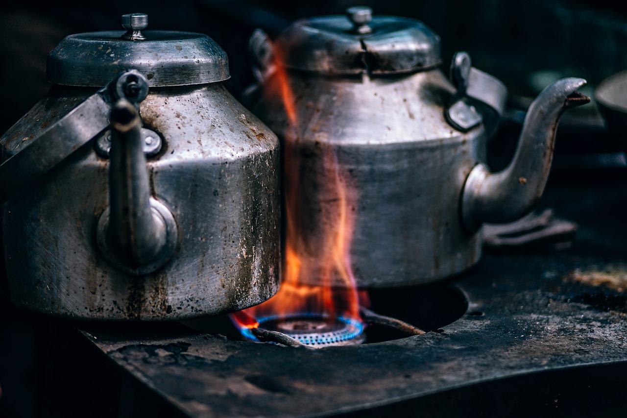 В Вичуге 80-летний пенсионер избил сына чайником и попал в полицию