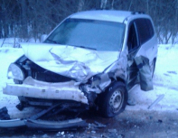 Авария на трассе Иваново — Родники с пострадавшим: ВАЗ разорвало пополам