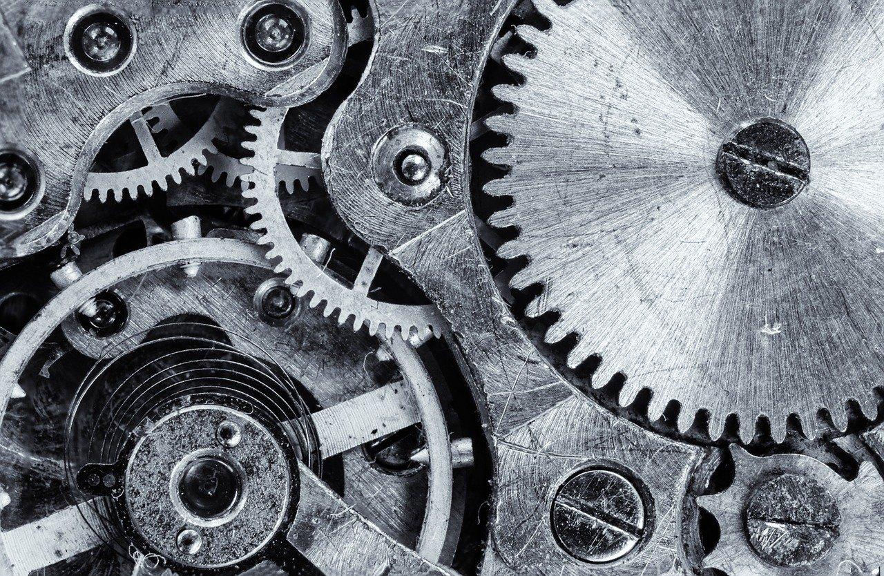 Как выбрать наручные часы в подарок для мужчины рассказали в «World of Watch»