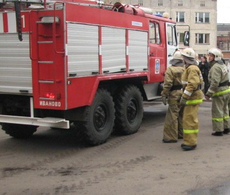 В результате пожара на Маршала Василевского выгорела квартира в многоэтажке