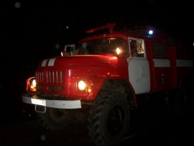 Пожар на 4-ой Деревенской: сгорели секционные гаражи на 70 квадратах