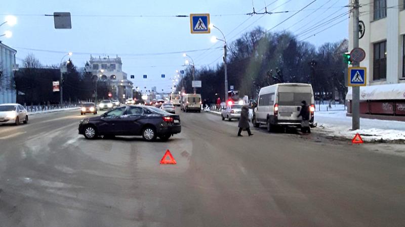 Маршрутка устроила ДТП с пострадавшими на Шереметьевском