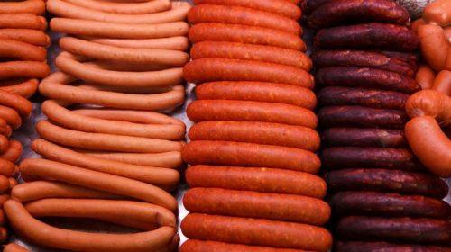 Оголодавшая семья в Шуе вынесла колбасу и шоколадки из магазина