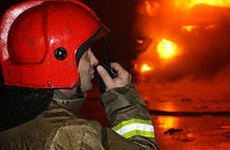 В Фурманове спасали от огня дом с пристройкой
