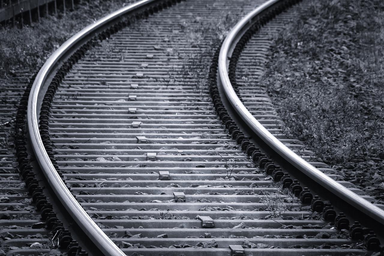 В Ивановской области поезд за час насмерть раздавил двух пешеходов