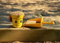 Специалисты «Ростметалл» рассказали о деревянных детских площадках для частных домов