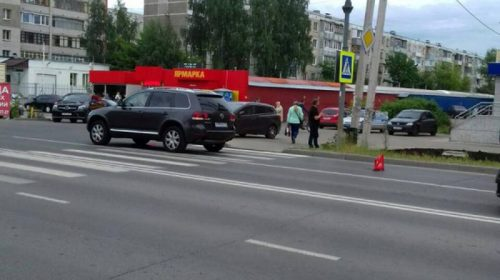 Вчера на Генерала Хлебниково «Фольксваген» сбил 71-летнюю женщину