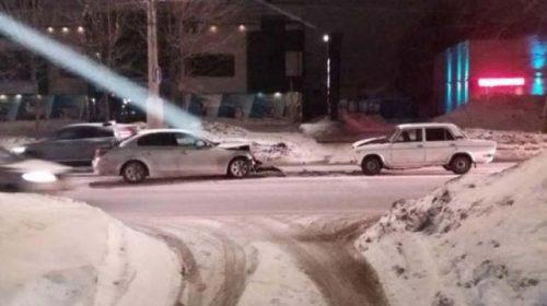 Авария на Куконковых: иногородний водитель на BMW запутался в полосах