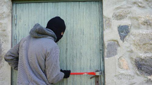 Житель Вичугского района оказался на скамье подсудимых за серию краж в одном доме