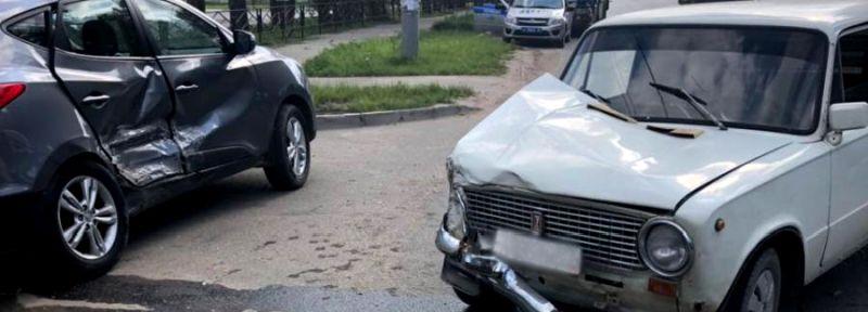 ДТП на перекрестке Рабфаковской и Ямочной: столкнулись «Хендэ» и «ВАЗ»