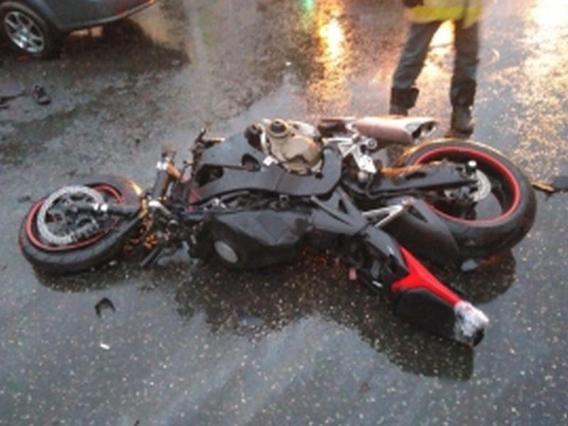 В Кинешме ВАЗ налетел на мотоцикл: мужчина 32 лет госпитализирован