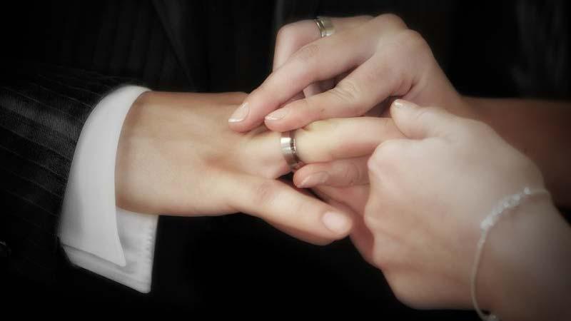 Звезды «Дома-2» Африкантова и Капаклы поженились