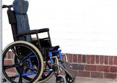 Мать сломала ноги дочери-инвалиду: после смерти ребенка будет суд