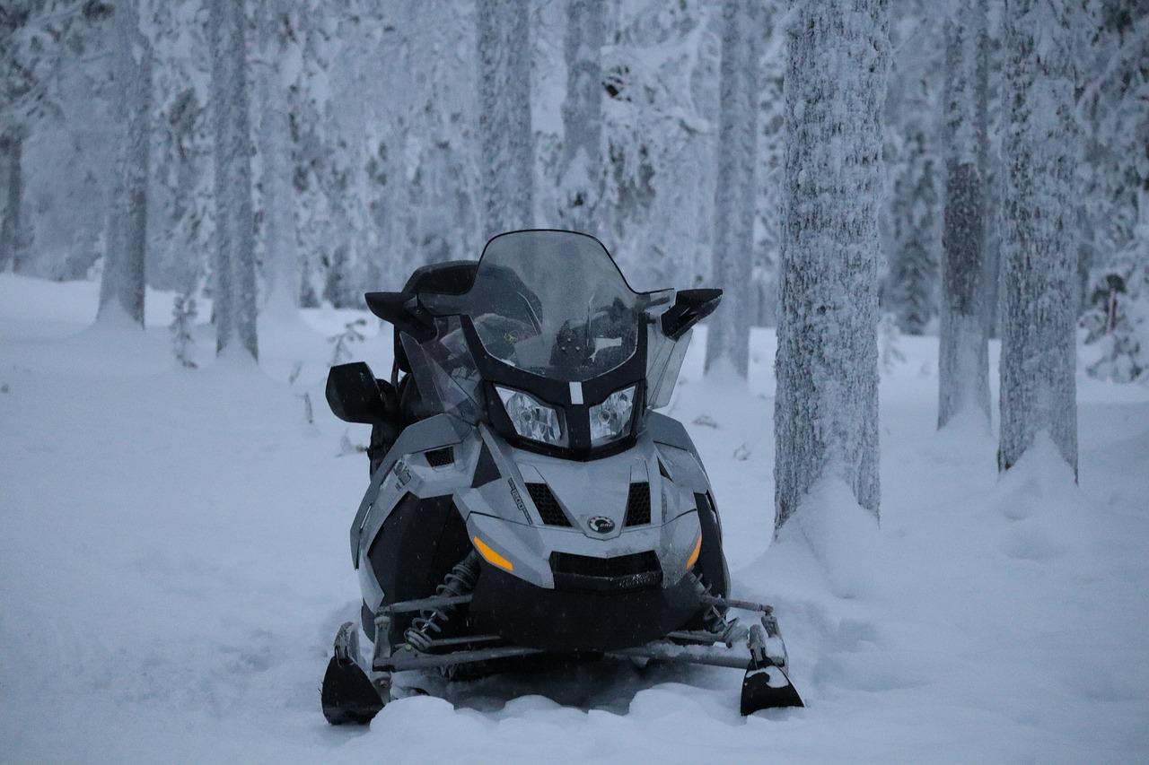 В Фурмановском районе мужчина на снегоходе наехал на пятилетнего мальчика