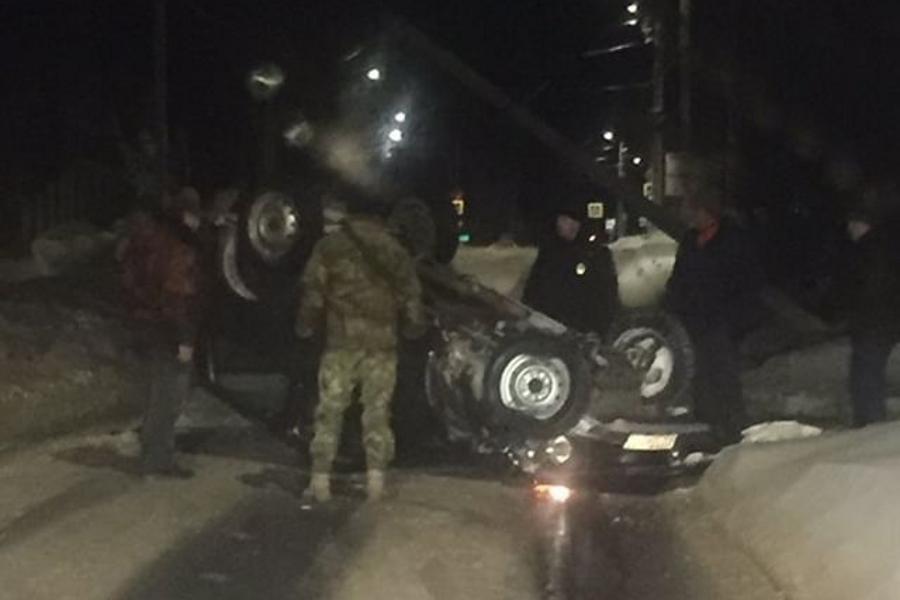 Авария в Авдотьино: на видео пьяный водитель сбил столб